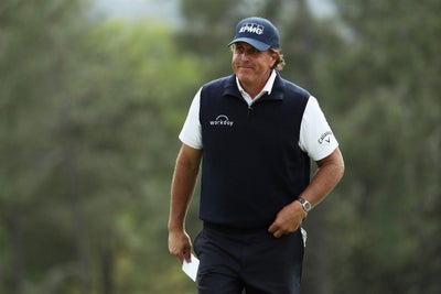 Why Phil Mickelson Just Invested in Frozen Yogurt-Making Robots