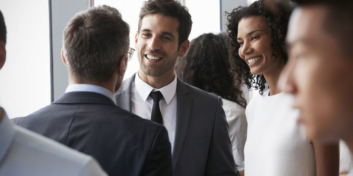 How to Display the Ideal Body Language When Networking