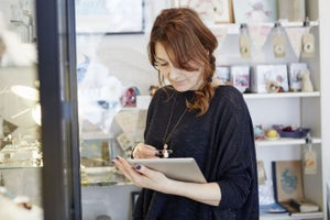 What Small Retailers Can Learn From the Industry's Push Towards AI and Big Data