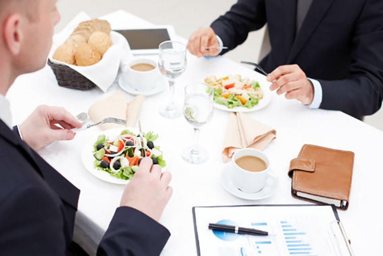 Tips para una comida de negocios exitosa for Comida oficina