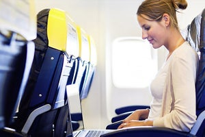FAA Will Allow Use of Electronic Devices During All Stages of Flight