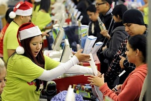 How to Scale Up Your Holiday Workforce the Right Way