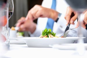7 Ingredients to a Successful Business Dinner