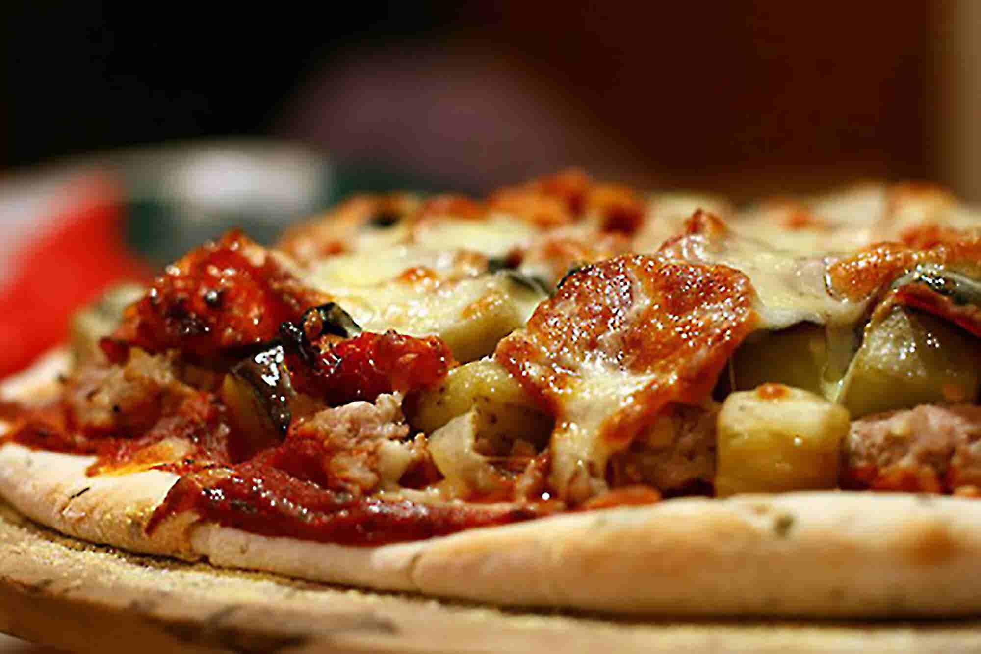 Chipotle, Subway Want a Slice of the Fast-Casual Pizza Business