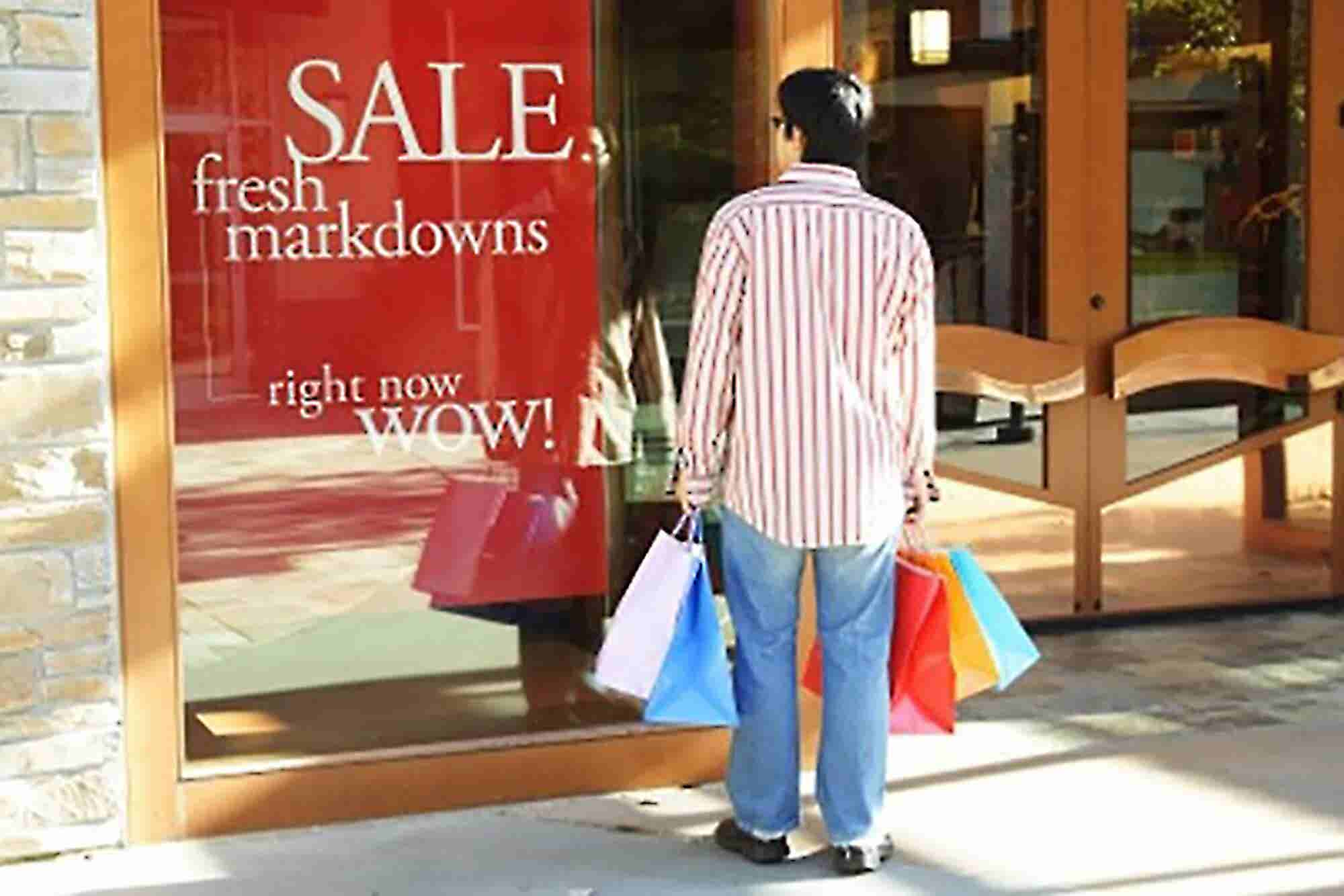 4 Ways Retailers Can Ride the Post-Holiday Wave to More Sales