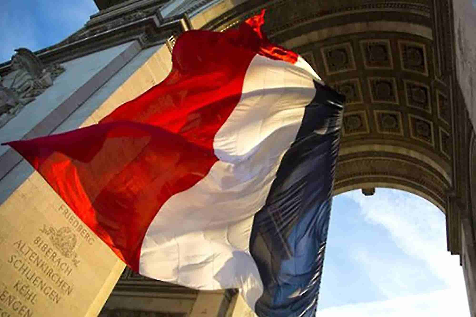 France Approves 'Millionaire Tax' Targeting Businesses, Not Citizens