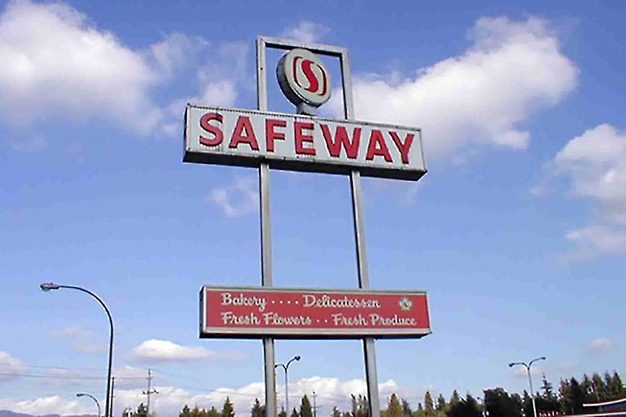 Safeway Seeks to Dissolve Secret $350 Million Deal With Beleaguered Blood Startup Theranos