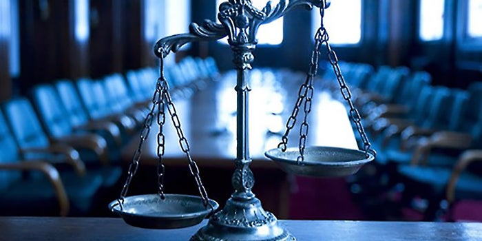 9 Factors to Consider When Choosing a Franchise Attorney