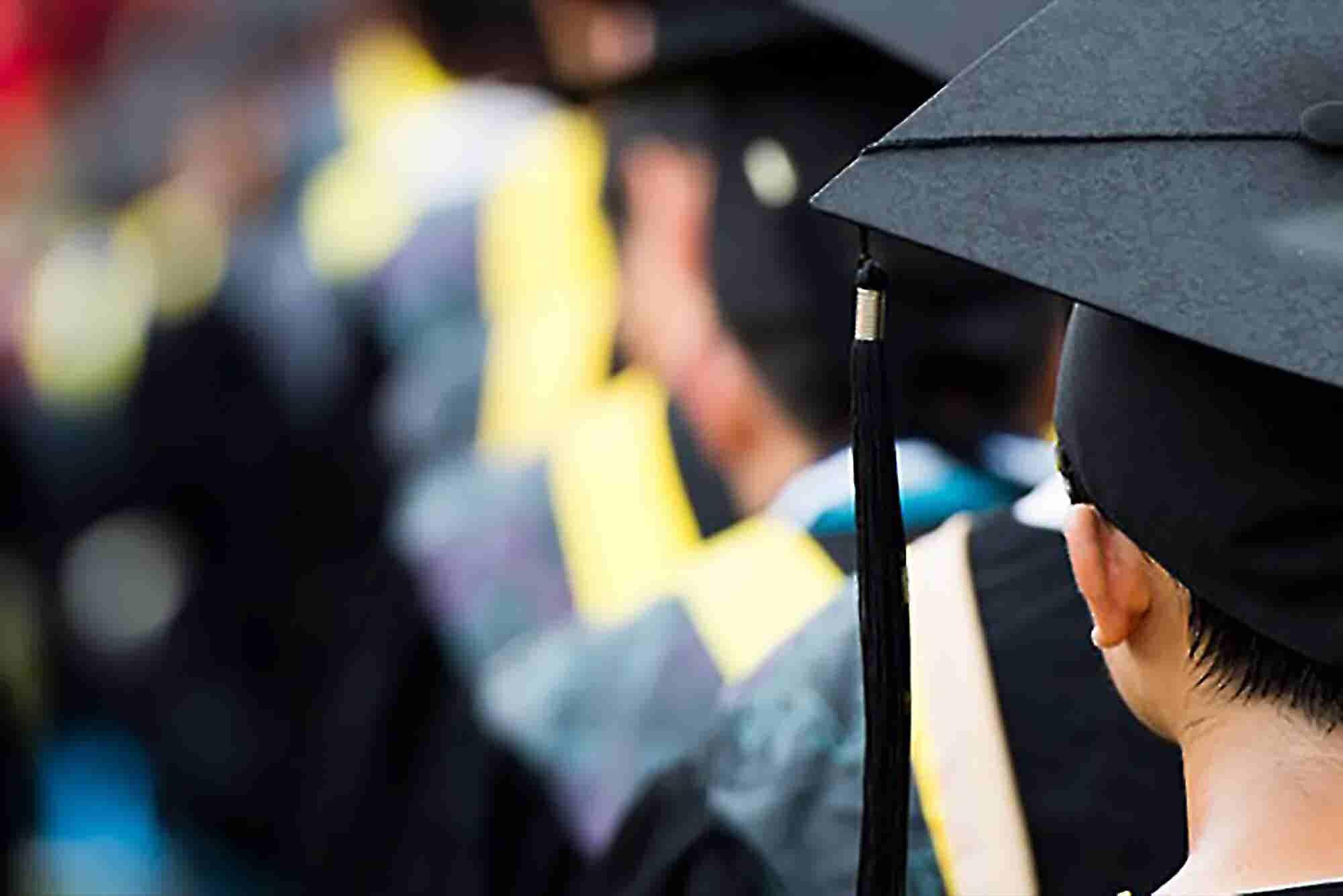 3 Ways to Keep College Entrepreneurs' Dreams Alive, Even After Graduation