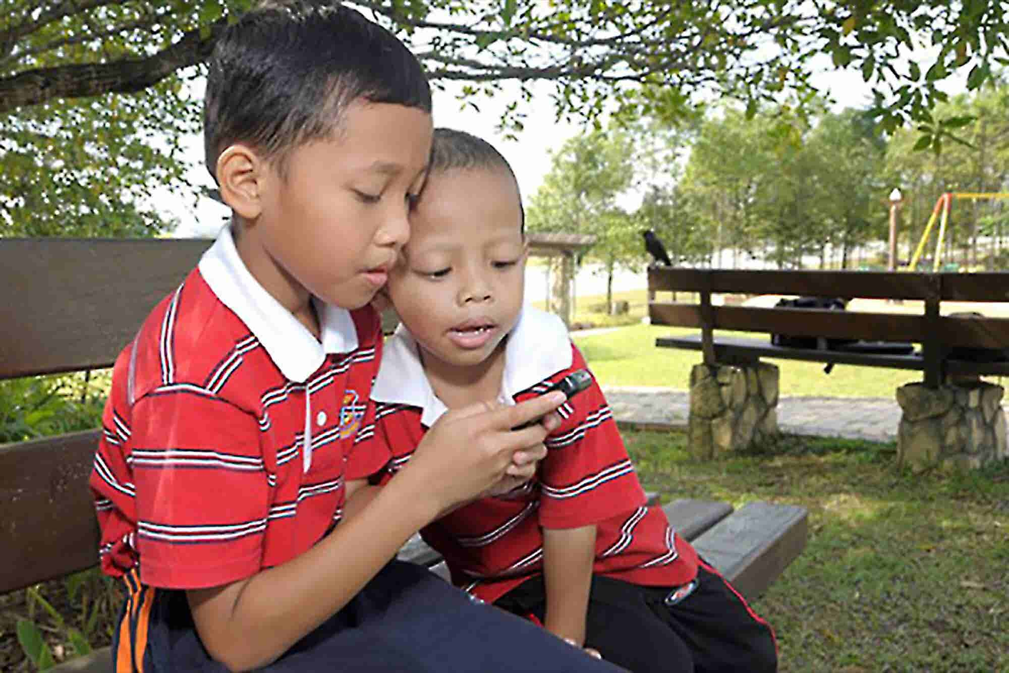 In South Korea, Parents to Be Alerted When Kids Receive Texts With Cur...