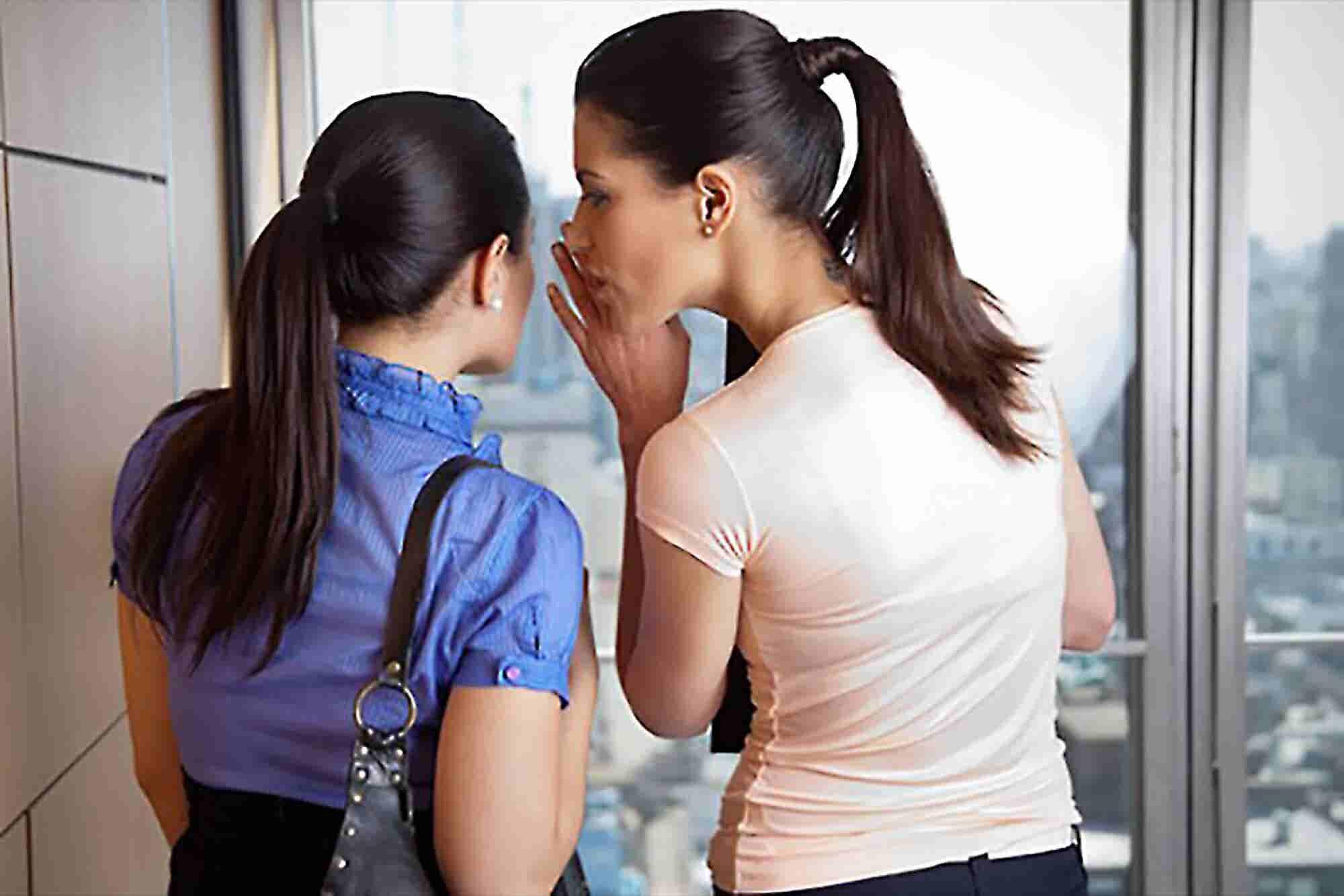 5 Ways to Transform Work Gossip Into Positive Communication
