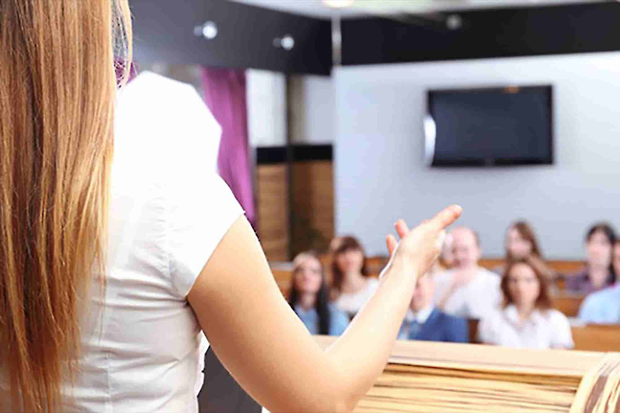 Public Speaking Tips to Maximize Your Reach and Revenue