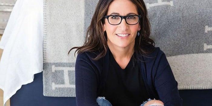 Brown Imperio Que La Simple Con Emprendedora Un Bobbi Cre��