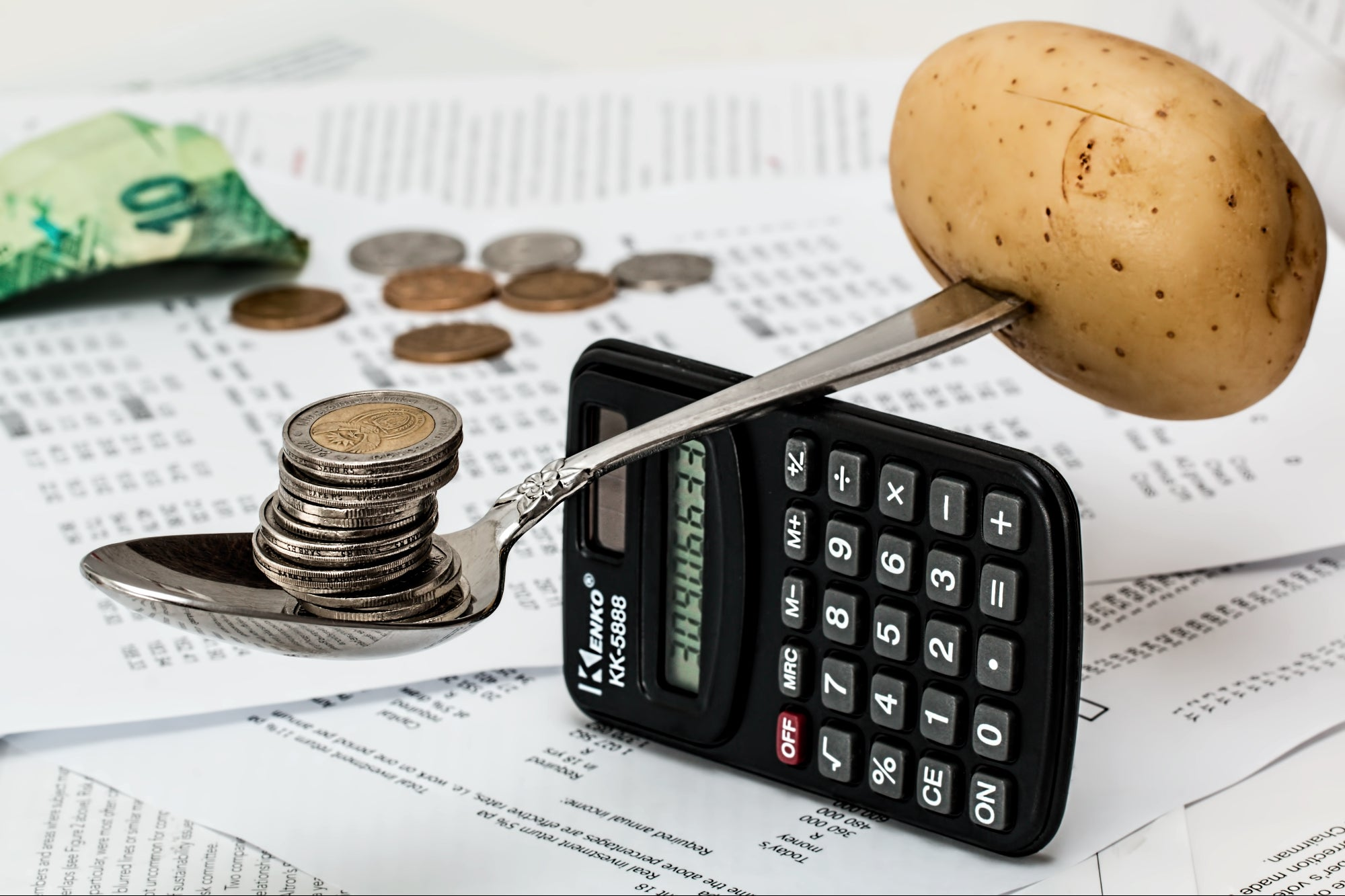 8 Simple Money Management Tips to Follow in Your Daily Life