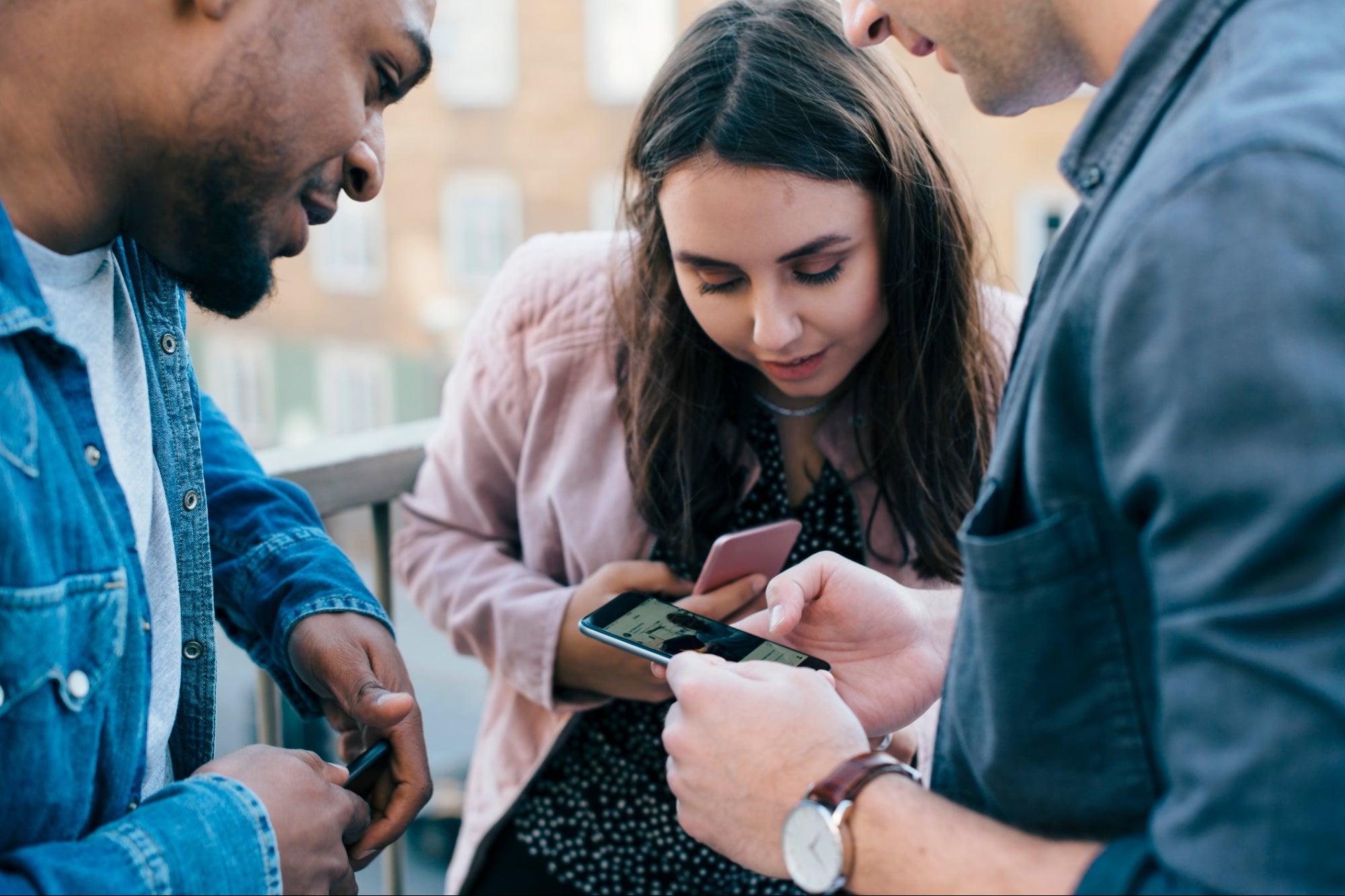 , 3 Ways to Create Buzzworthy Social Media Images, Saubio Making Wealth
