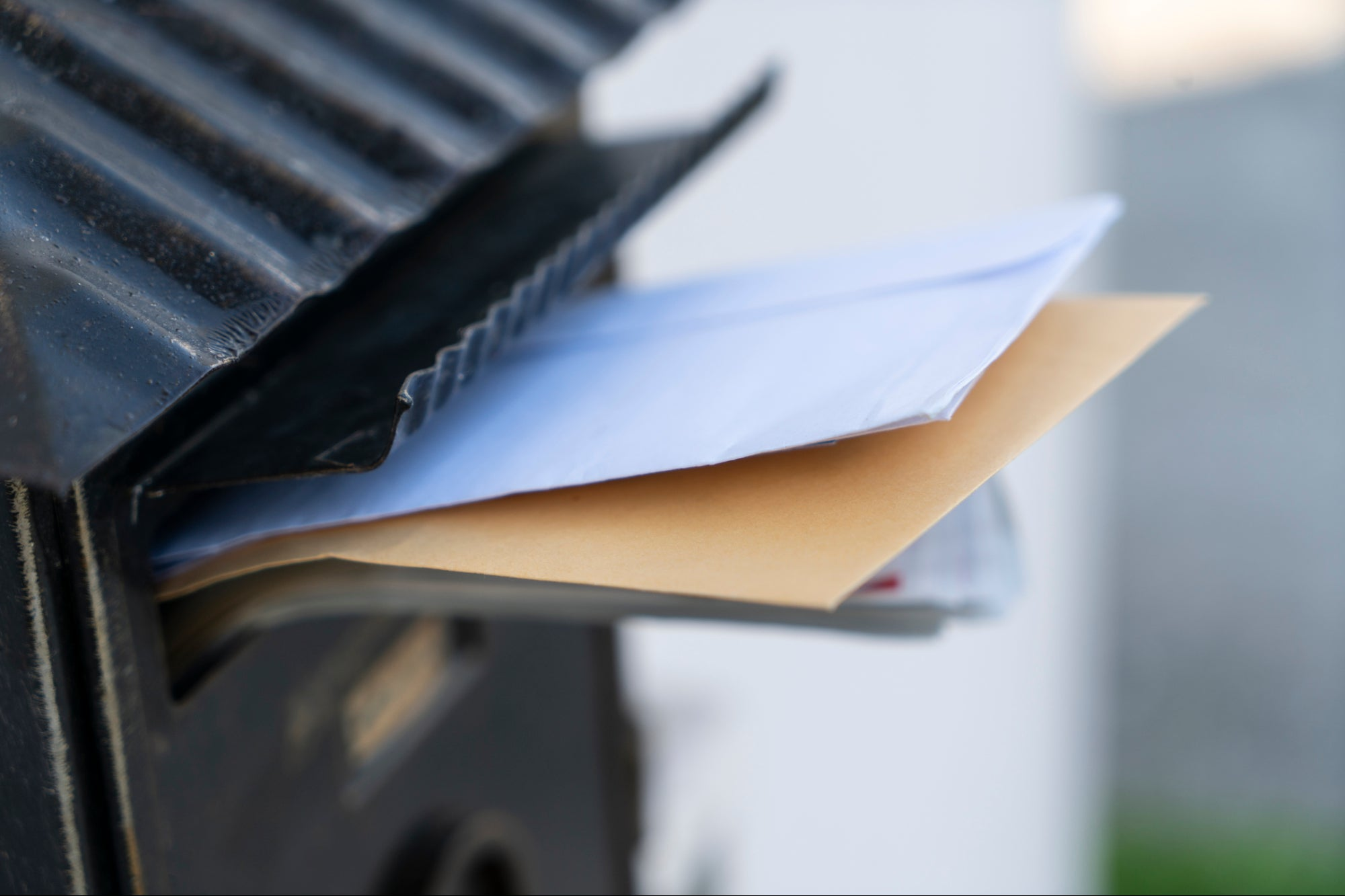 3 Ways Technology Helps You Make Money With Direct Mail Marketing