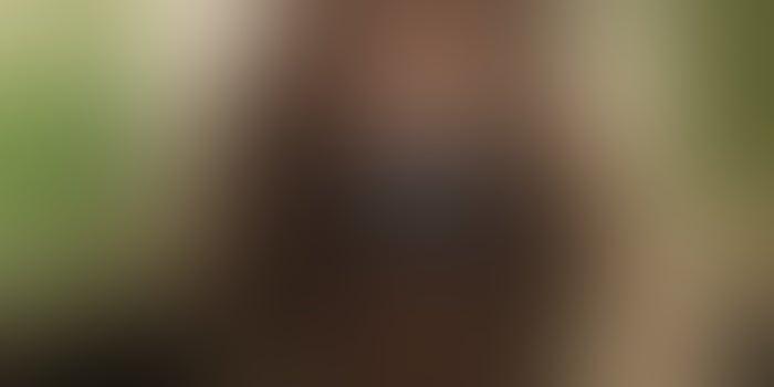 "Gloria Gaynor Follows Up Viral TikTok Handwashing Video With ""I Will Survive"" Face Masks"