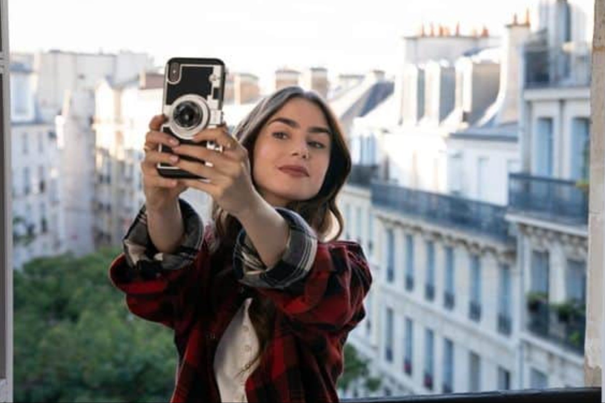 , 'Emily in Paris': The 3 mistakes in digital marketing of the Netflix series, Saubio Making Wealth