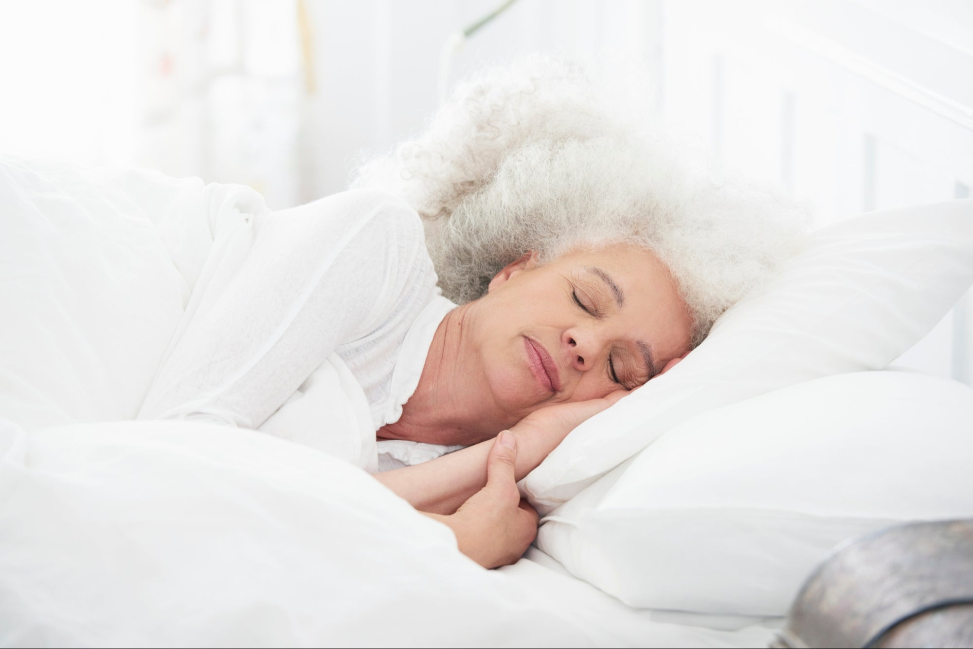 post-image-Can CBD Help Seniors Suffering from Insomnia?