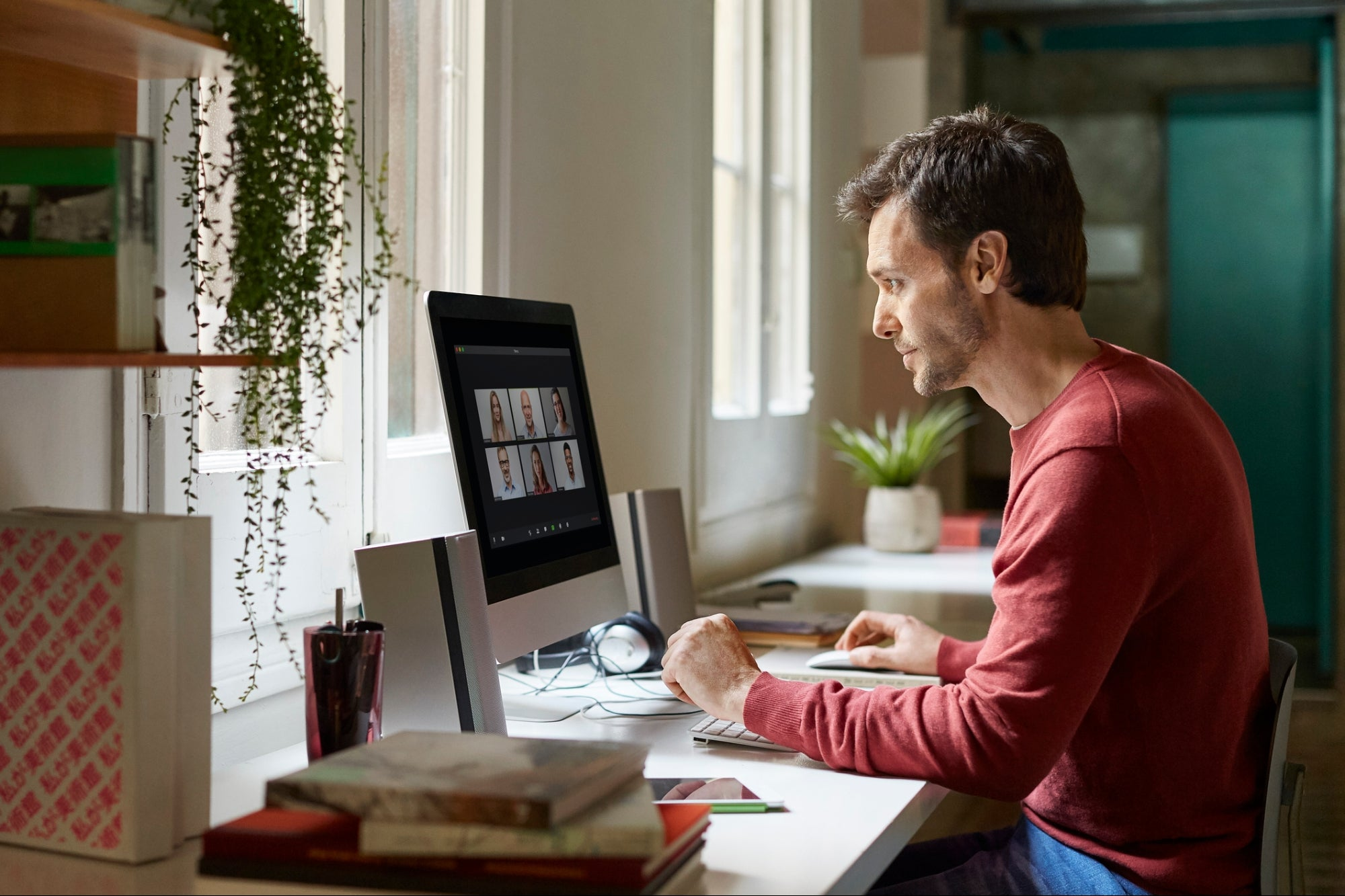 The Ultimate Guide to Creating an Effective Home Office