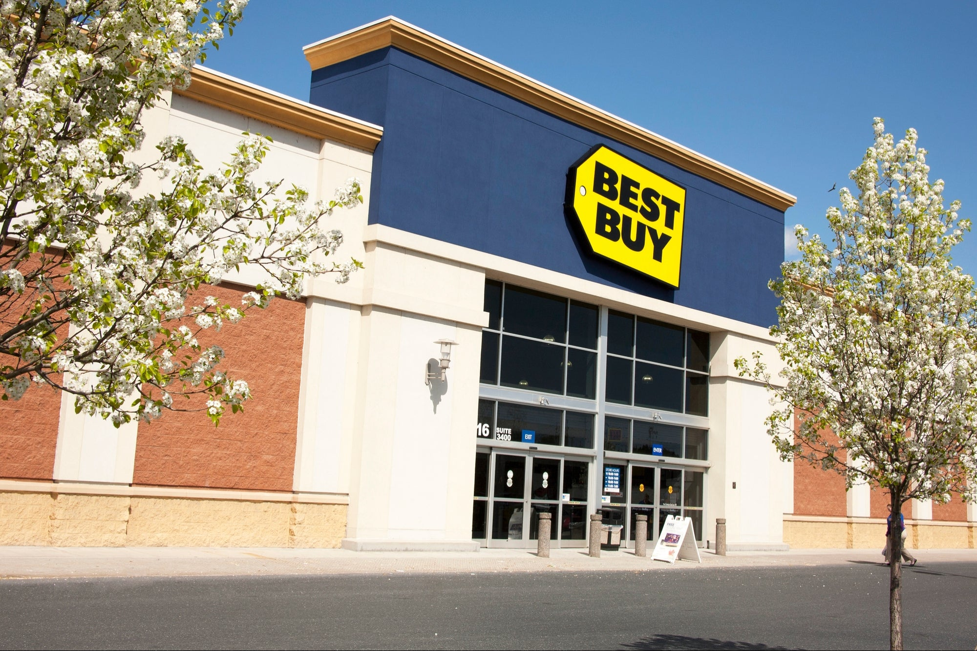 Best Buy Mexico is announcing its liquidation and people are going crazy with the price of the Nintendo Switch