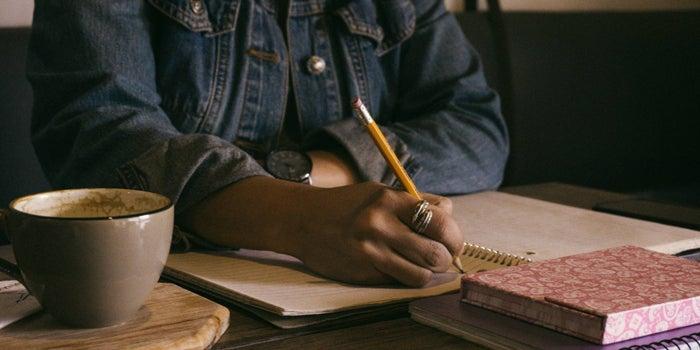 Veja por que não devemos parar de escrever à mão