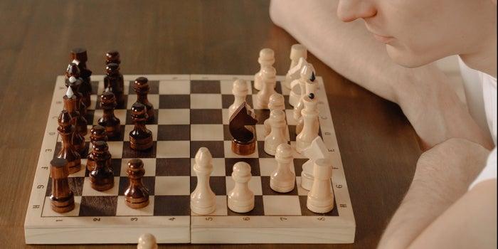 تعلم الشطرنج عبر الإنترنت