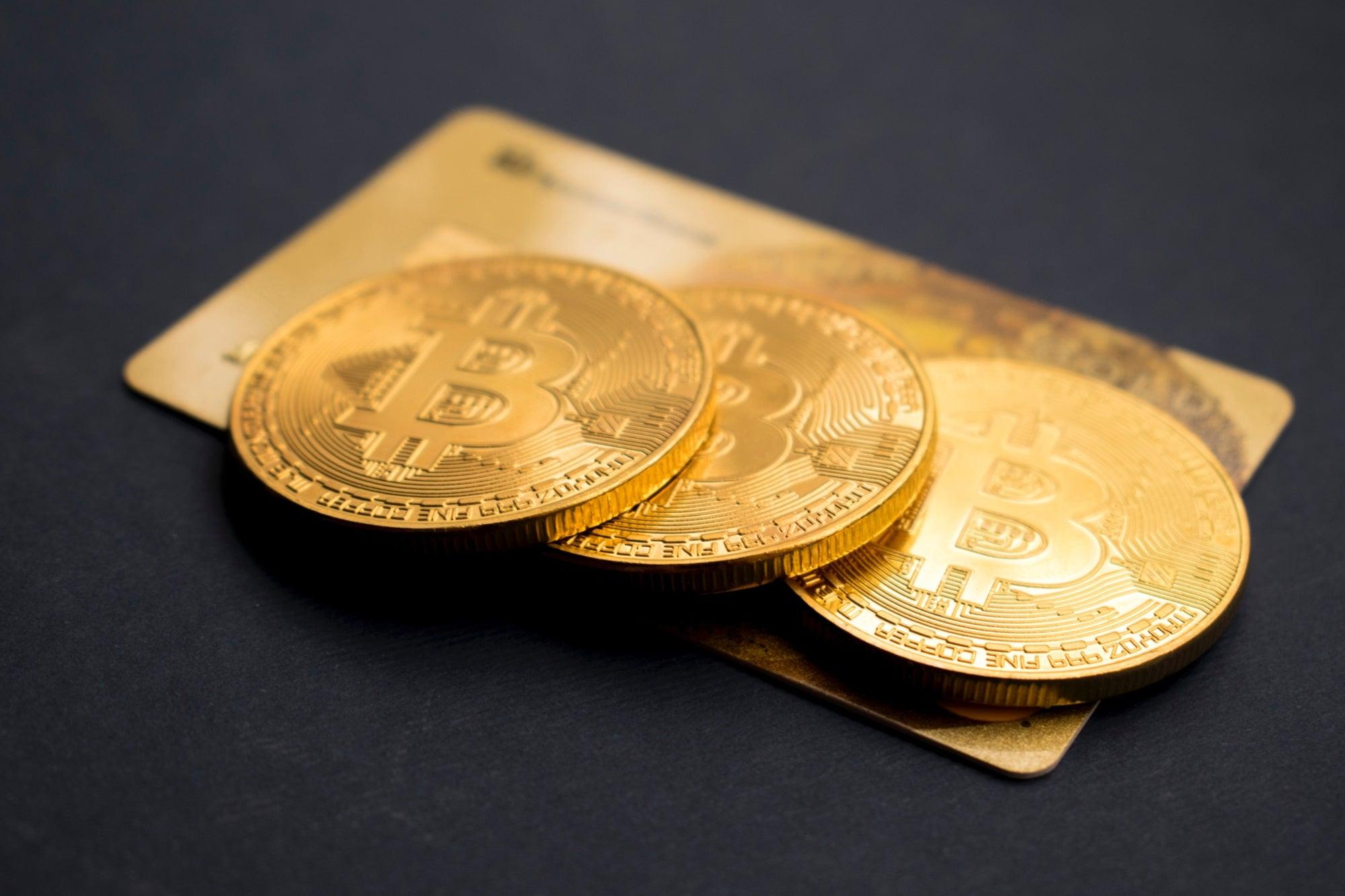 todo lo que hago es perder dinero intercambiando criptomonedas ¿por qué está bajando bitcoin?