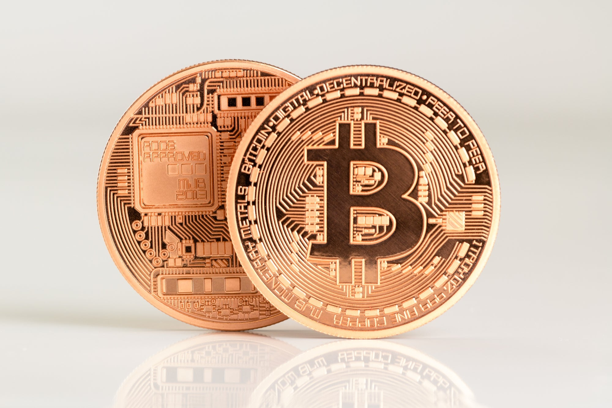 El Salvador becomes the first country to approve the legal use of bitcoin thumbnail