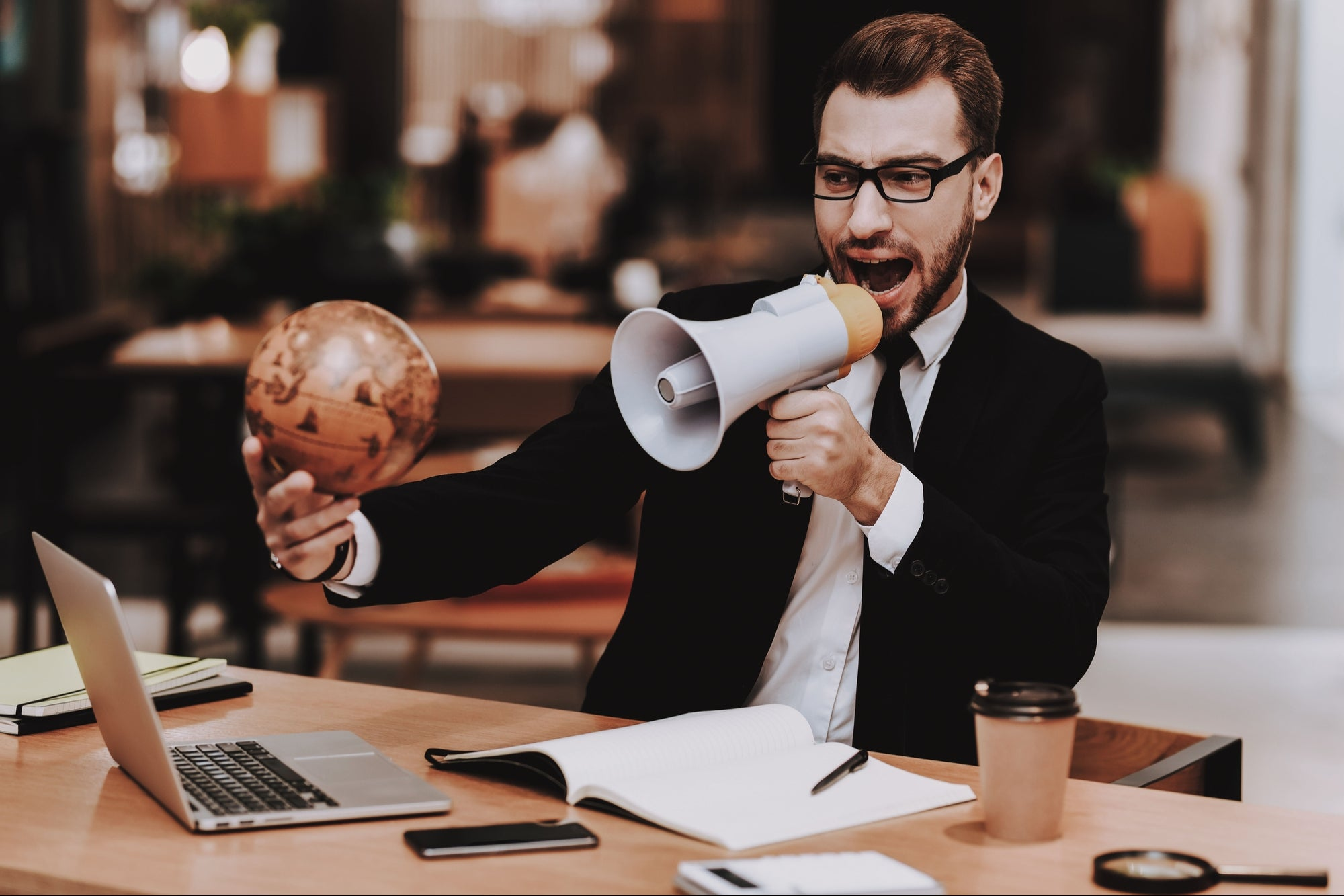 <p>Divide the five most common outsourcing reform myths thumbnail