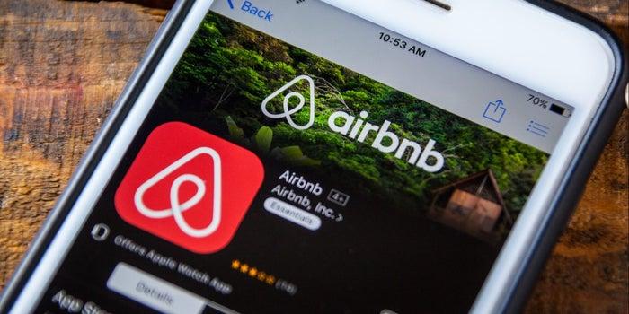 Airbnb tiene un 'equipo secreto de élite' para ocultar los delitos que ocurren en sus alojamientos, así operan