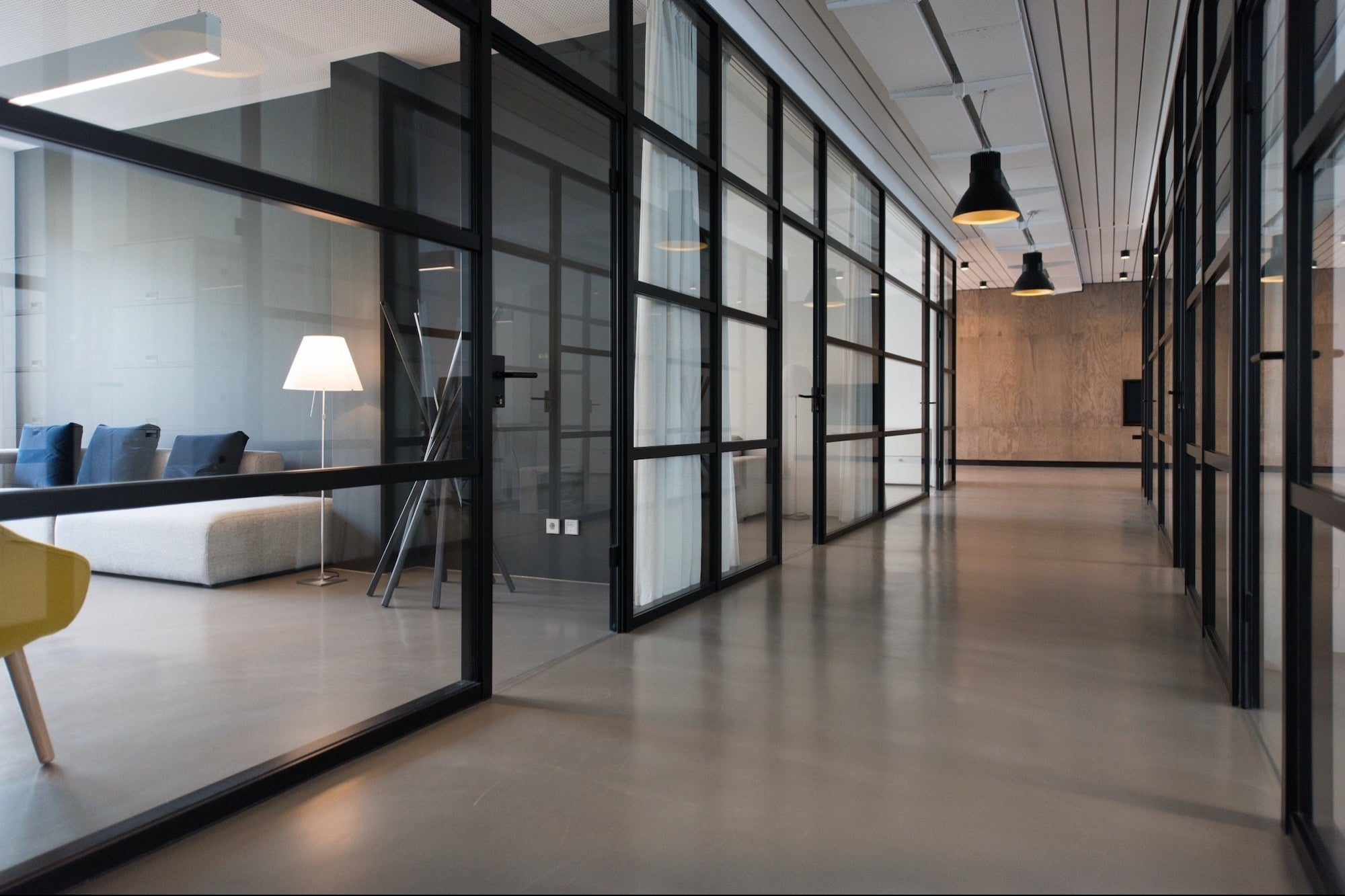 Make Your Office and Home More Presentable with These Lighting Options
