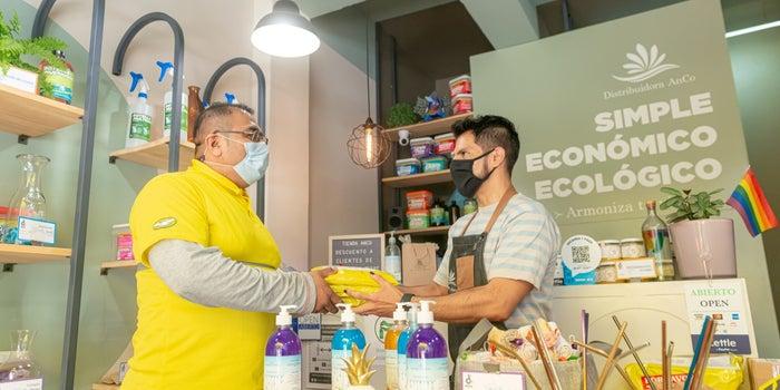 Mercado Libre lanza dos iniciativas para que ganes dinero y le ayudes en su logística