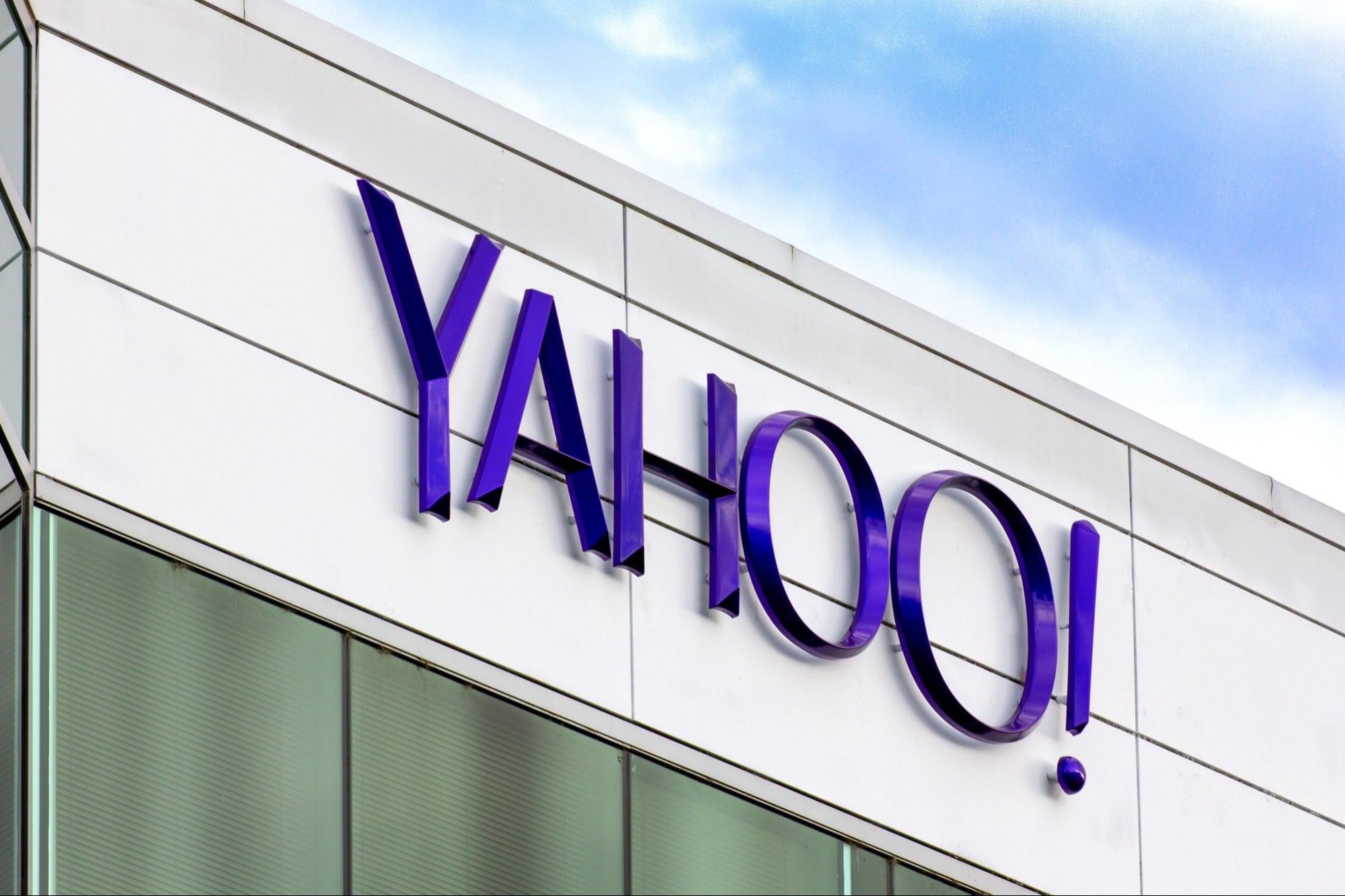 Verizon Media changes ownership and is renamed Yahoo!