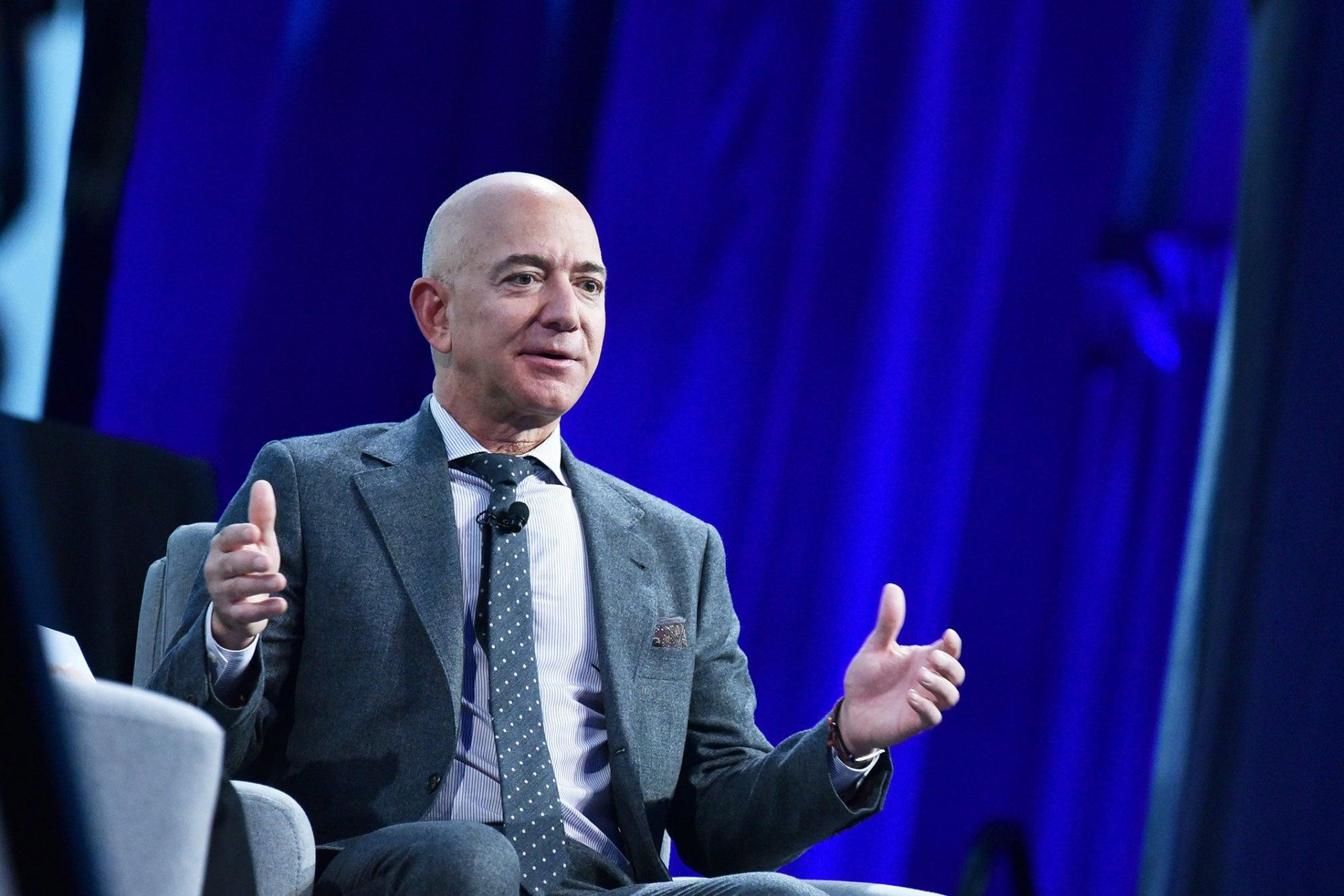 Jeff Bezos Sends Rare Message to Elon Musk in First Tweet Since February 2020