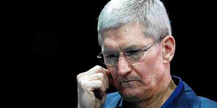 Apple CEO Fires Back as Retailers Block 'Pay'