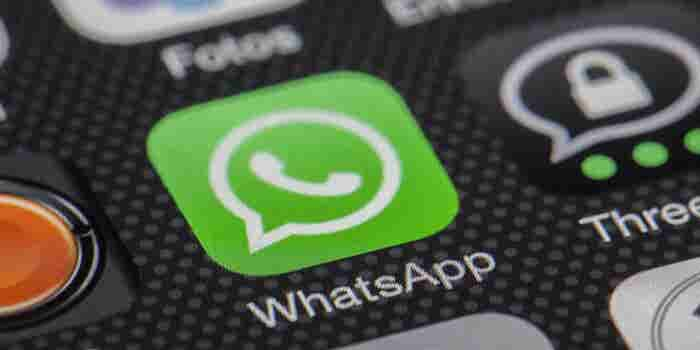From ICQ to AIM to WhatsApp: The Rise and Fall of Instant Messenger Apps (Infographic)