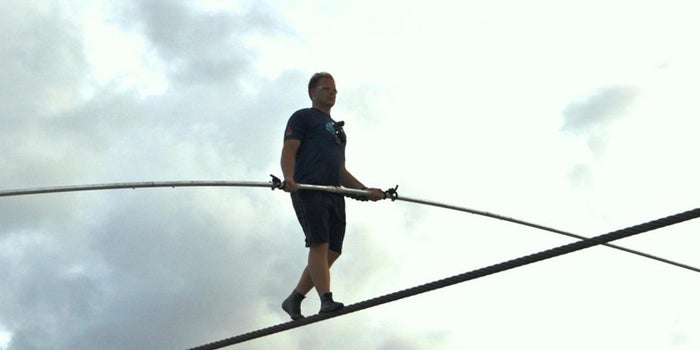 4 Lessons on Staring Down Fear and Taking Risks from Tightrope-Walker Nik Wallenda