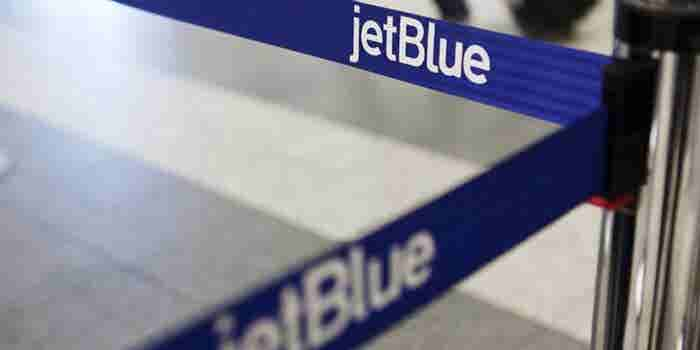 JetBlue to Charge for Checked Bags in New Fare Class