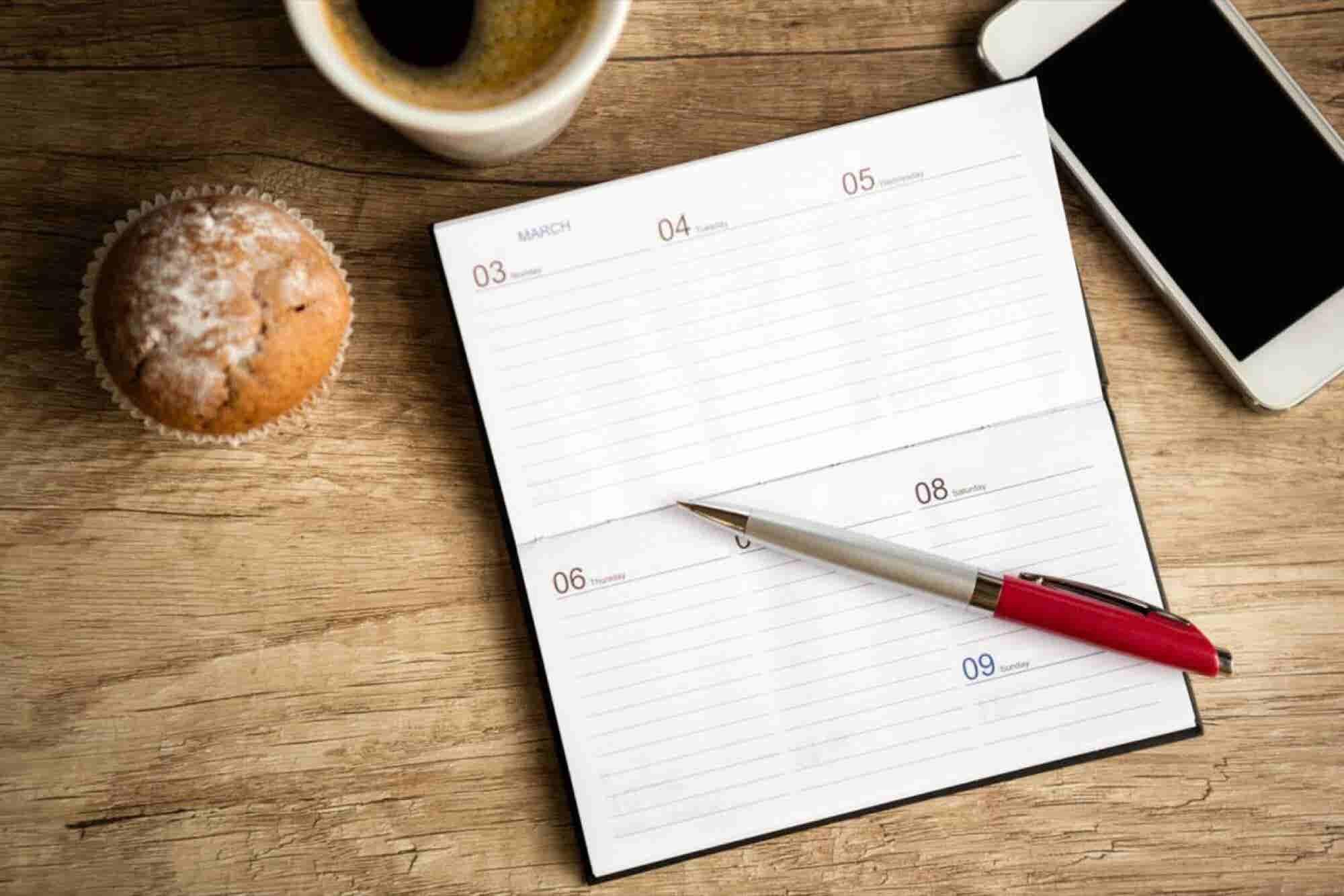 5 Hacks That Will Cut Your Workweek in Half