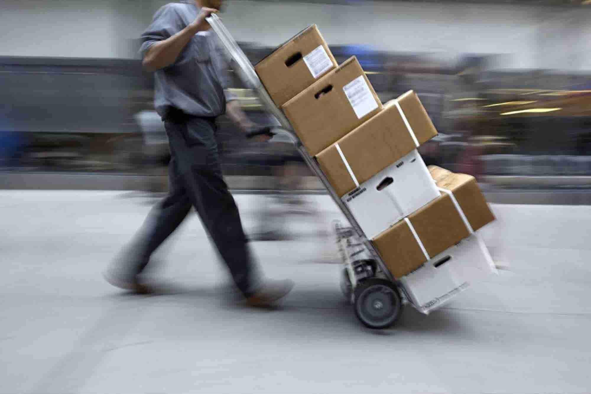 Implement These 5 Strategies to Avoid Holiday Shipping Snafus