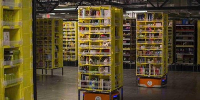 Amazon Turns to Robots to Help Fill Holiday Orders