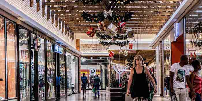 4 Ways to Fit Holiday Shopping Into Your Hectic Schedule