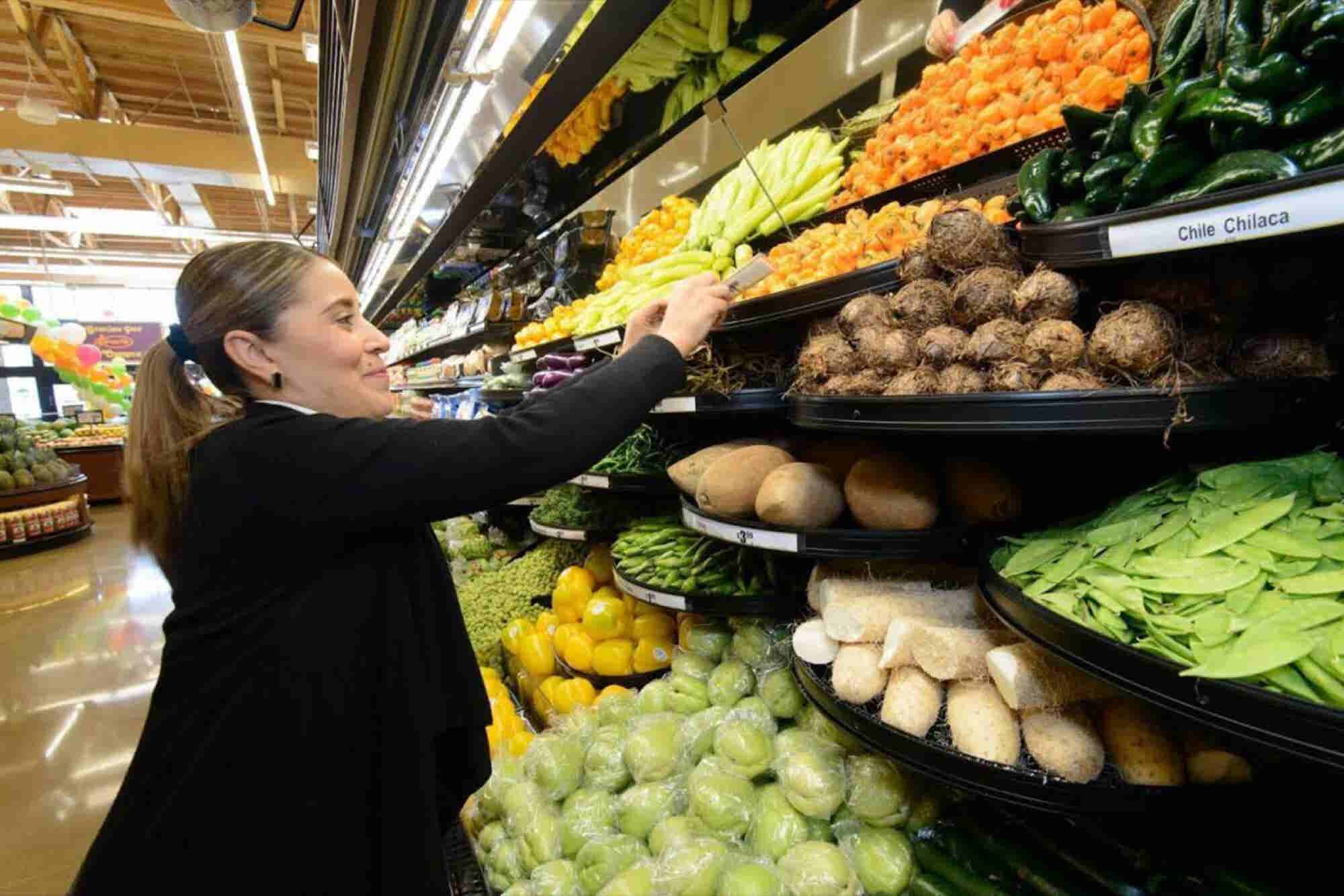 How the First Lady Helped Small Grocery Businesses Reduce 'Food Deserts' in California