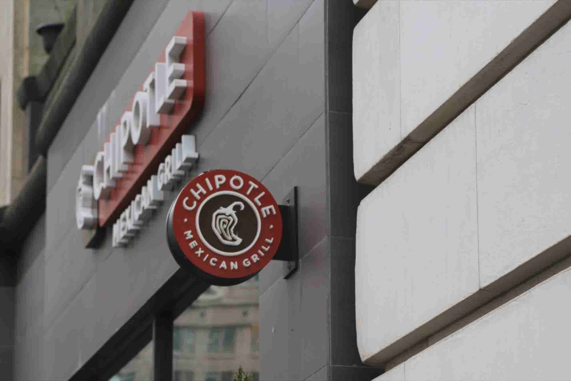 Chipotle Faces Food Poisoning Lawsuits in California and Minnesota