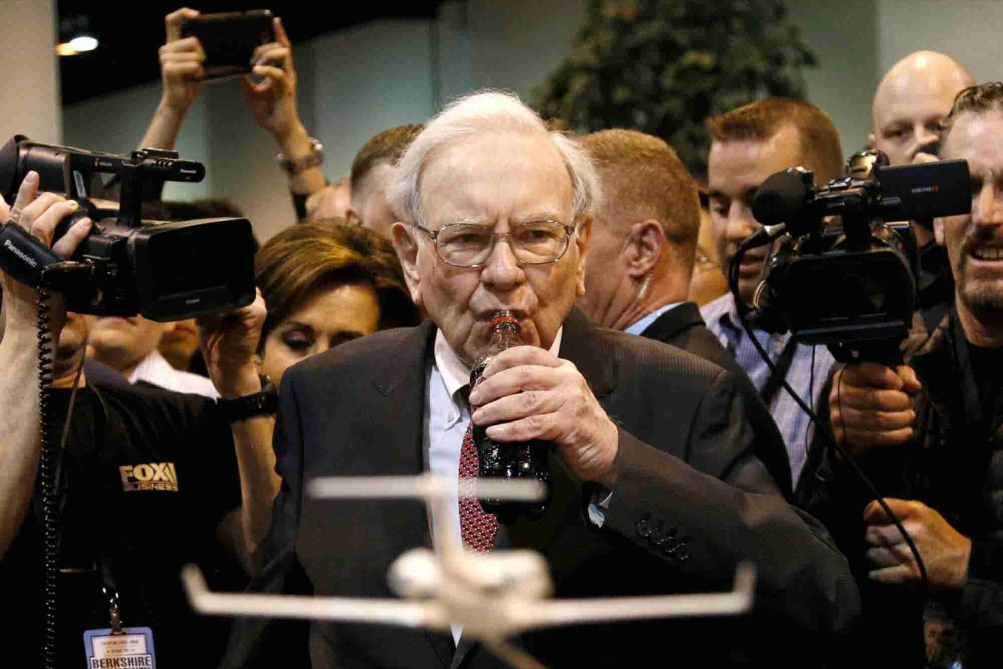 Hedge Fund Mogul: Warren Buffett Is a 'Hypocrite'
