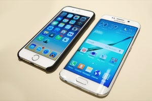 10 Things Samsung's New Galaxy Phones Can Do That the iPhone Can't