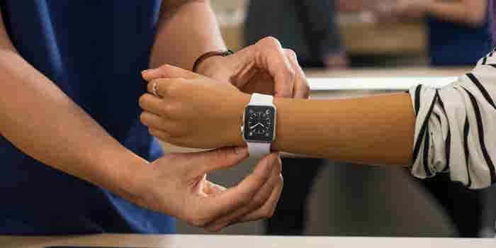 Most Americans Say They're Not Interested in Buying an Apple Watch