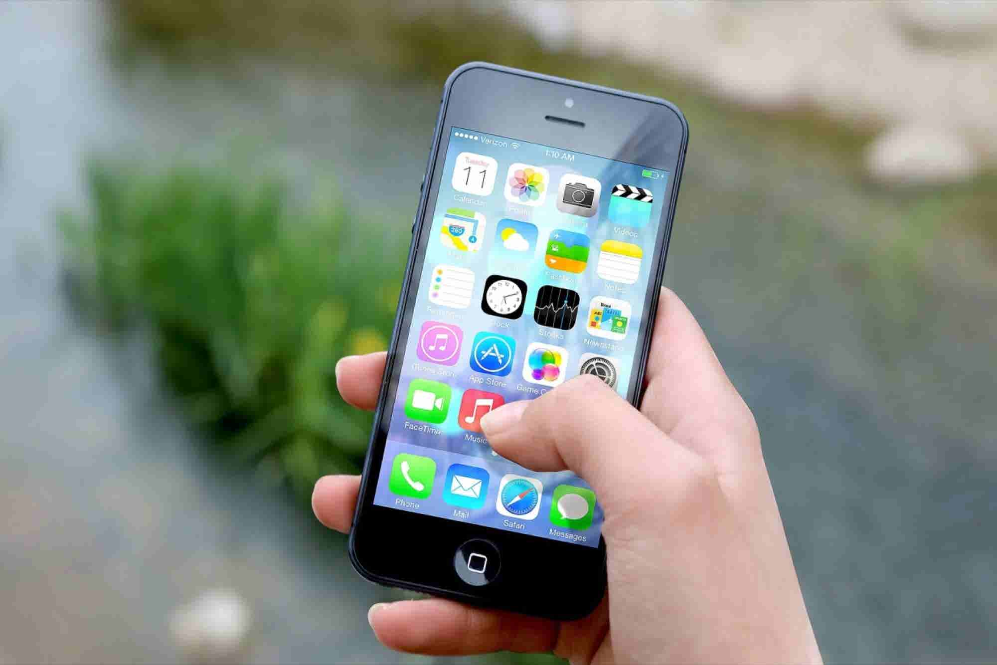 The Worst Thing About the iPhone Is About to Be Fixed