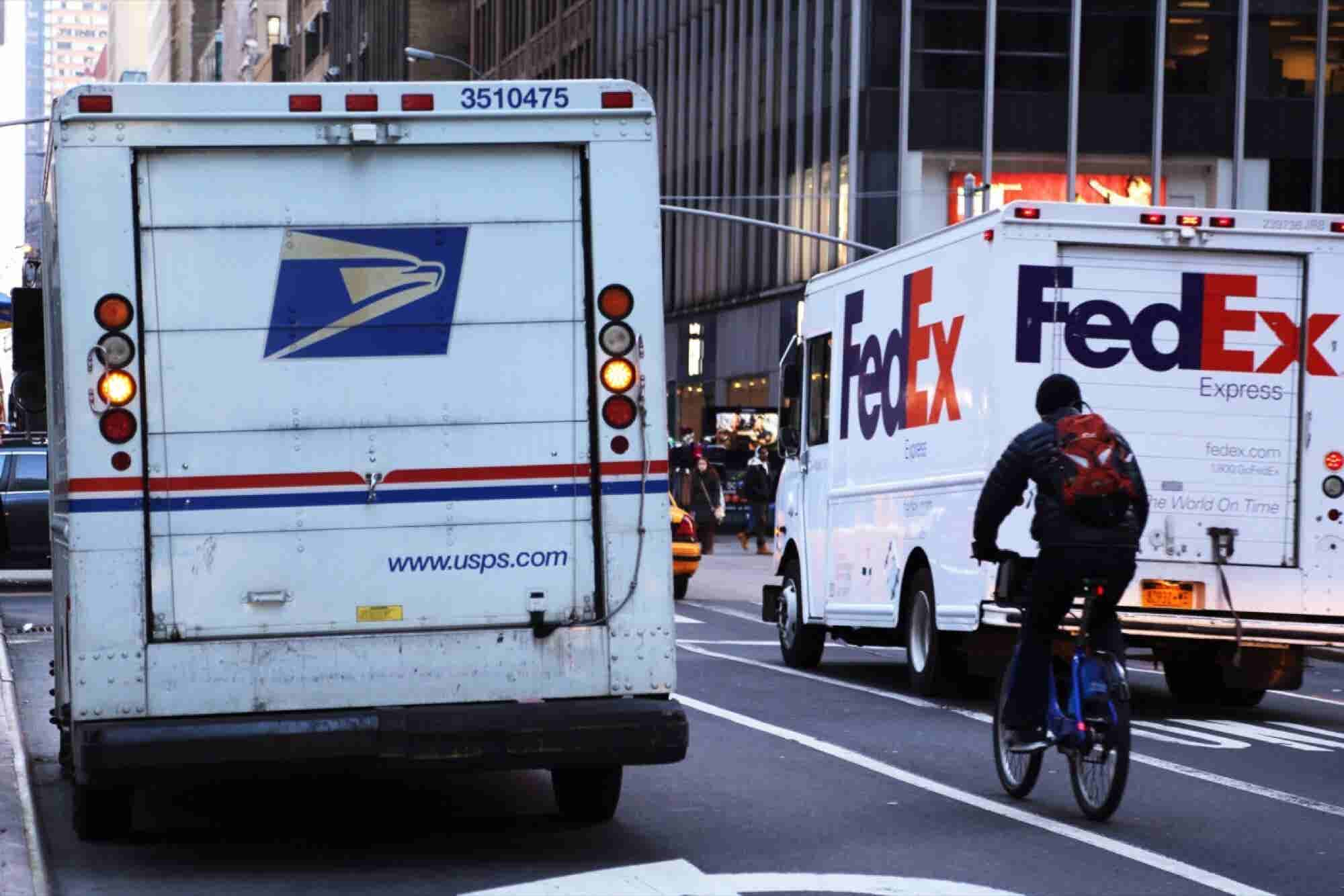 FedEx Is Blaming Last-Minute Shoppers for Christmas Delays